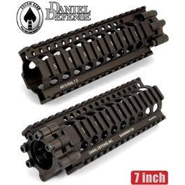 Socom Gear / Daniel Defense M4/M16 Lite RAS 7.0 Dark Earth