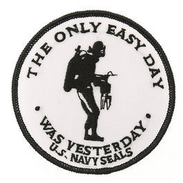 Textil Patch The only easy day US Navy Seals weiß mit Bügelfläche